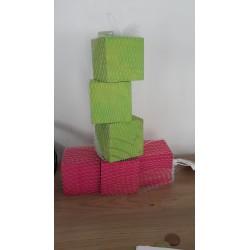 Cubes de bois décoratifs